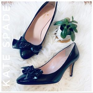 KATE SPADE patent leather bow heels